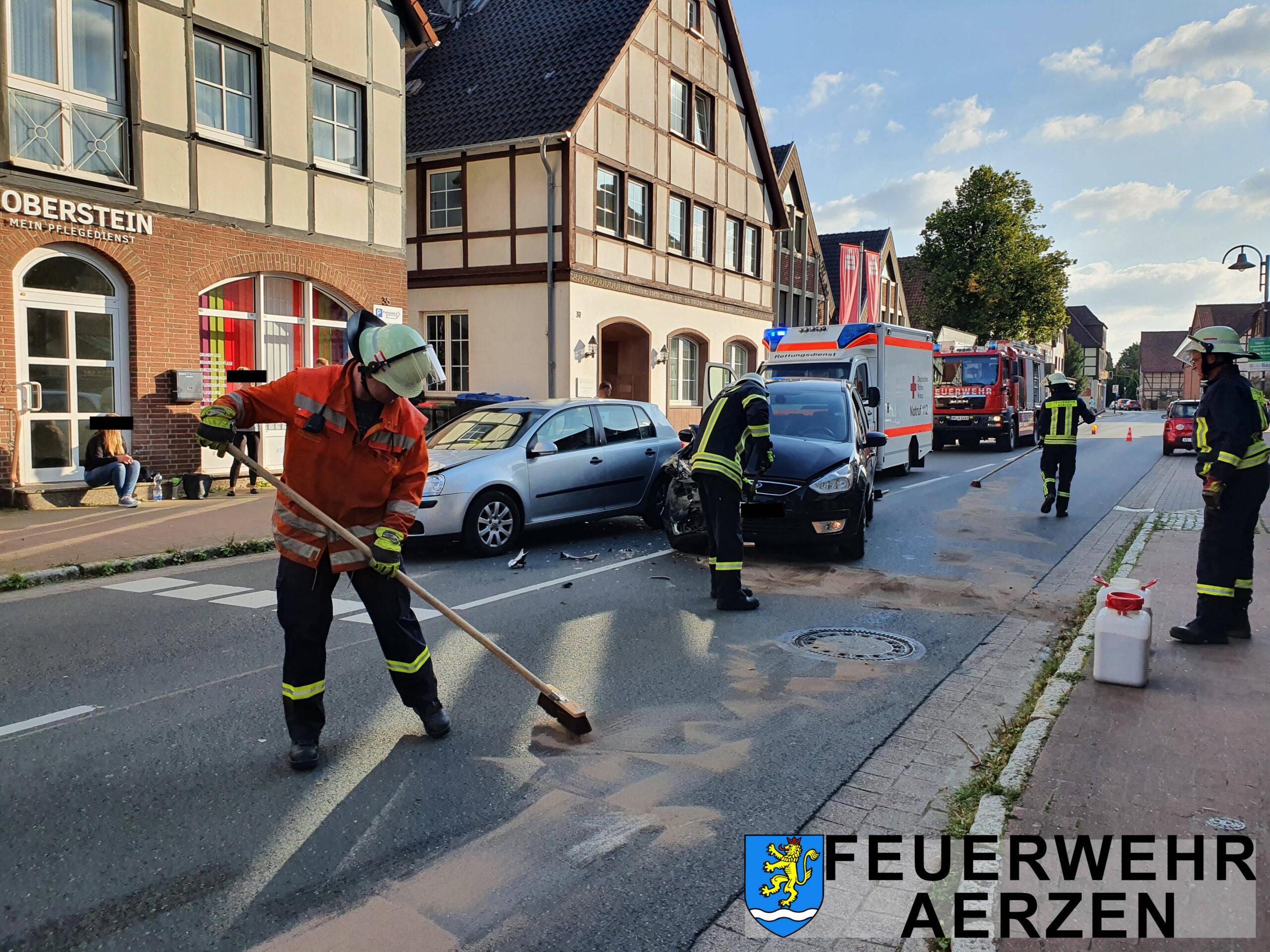 2021-09-01 Kleinschleife Aerzen VU Alarm auslaufende Betriebsstoffe